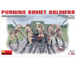 MiniArt 35137 - Pushing Soviet Soldiers